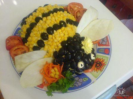 Рецепт приготовления салата пчелки фото